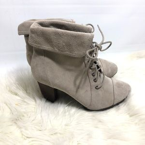 Anti gravity Easy Spirit suede ankle boots